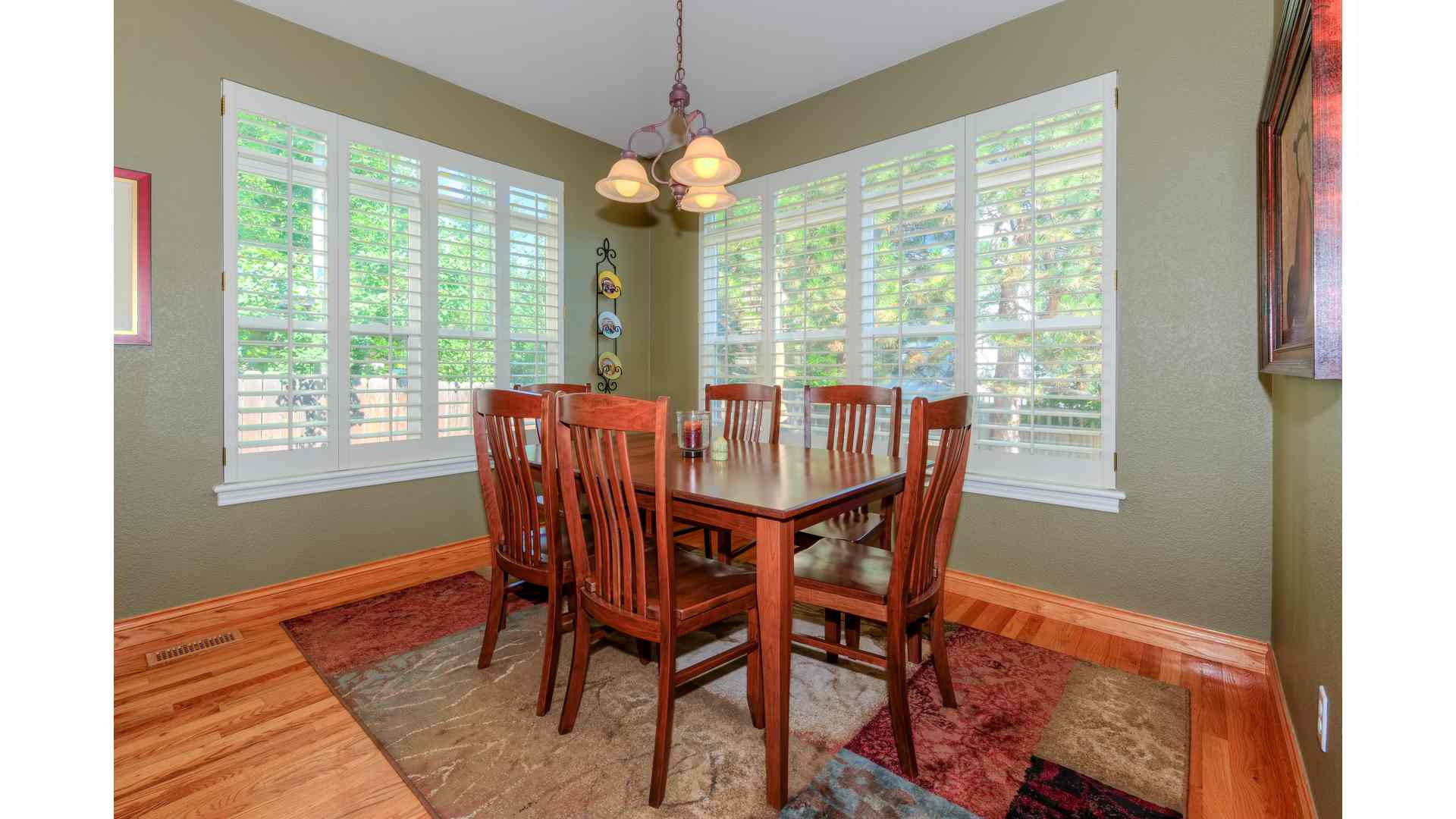 07 1995 Dining Room 5TMDE Default RVT2 NR 1920 - Real Estate Photos