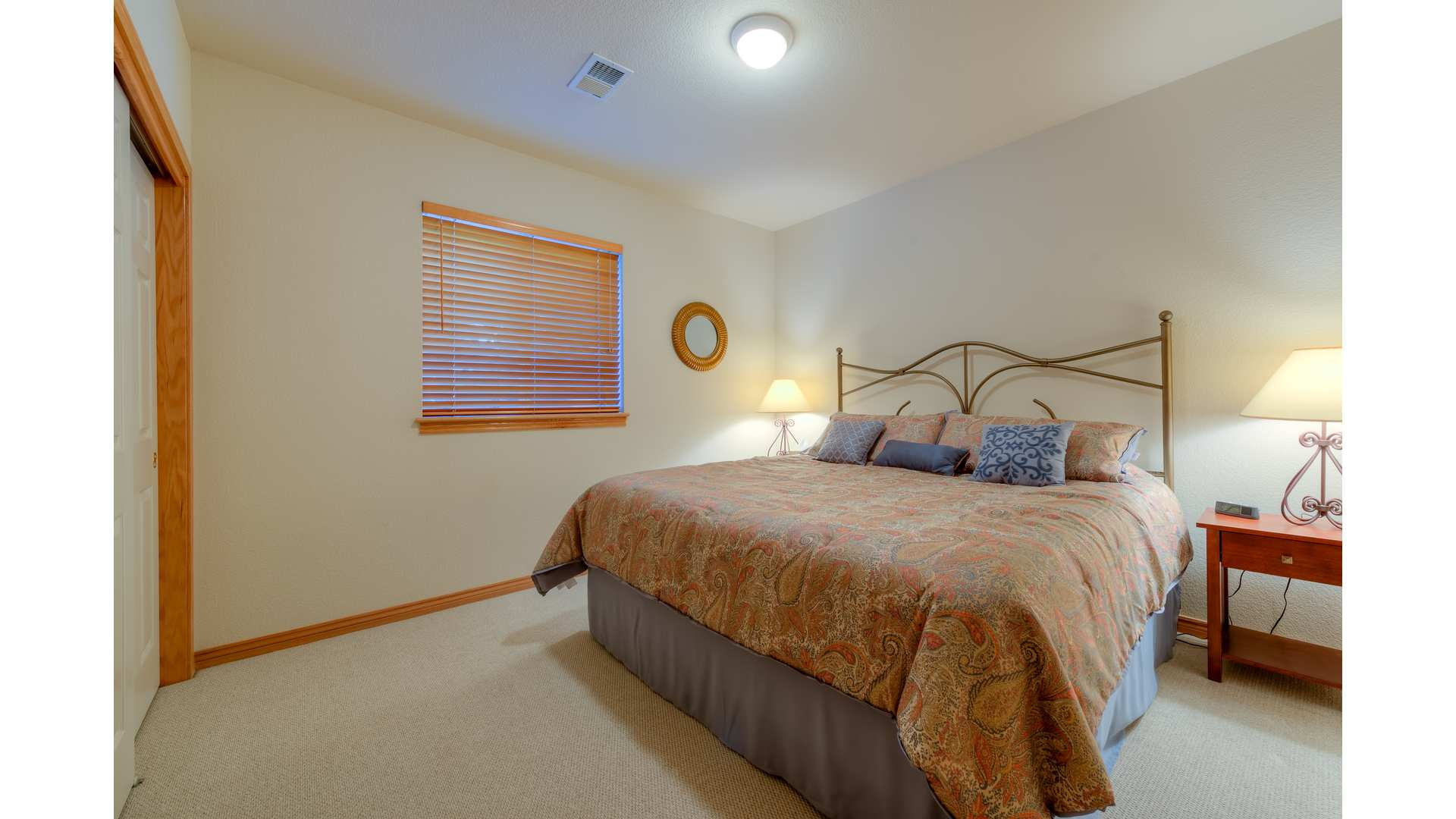 24 1995 LL Bedroom4 5TMDE Default RVT2 NR 1920 - Real Estate Photos